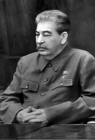 Что бросалось в глаза при первом взгляде на Сталина
