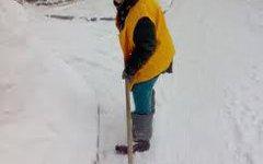 Калужских коммунальщиков оштрафовали за снежные тротуары.